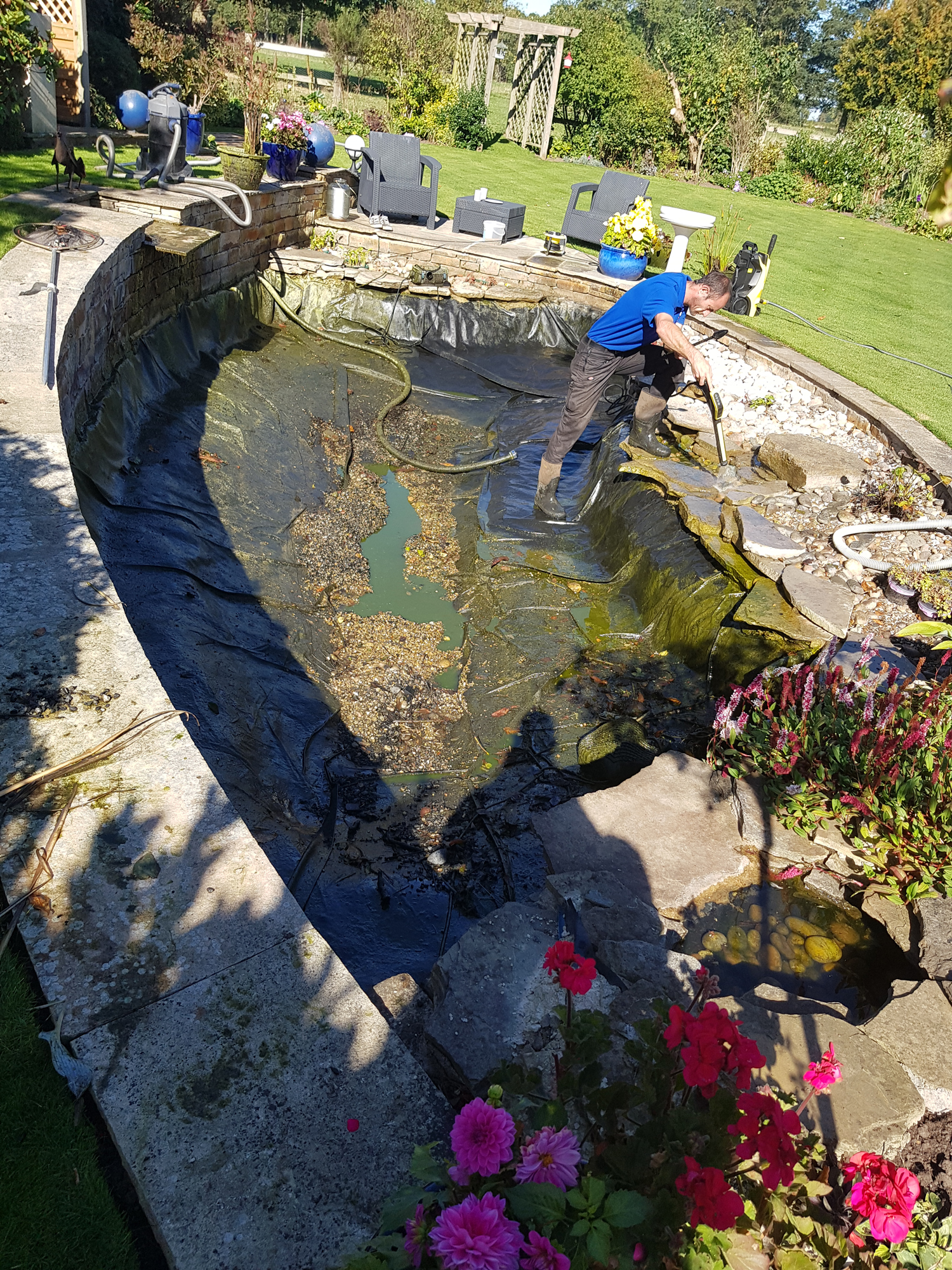 koi-and-pond-supplies-pond-cleaning-1
